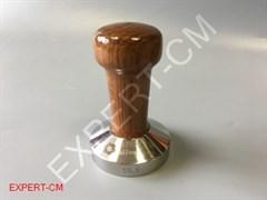 Темпер сталь с коричневой ручкой (дерево) Ø58,5мм EXPERT-CM
